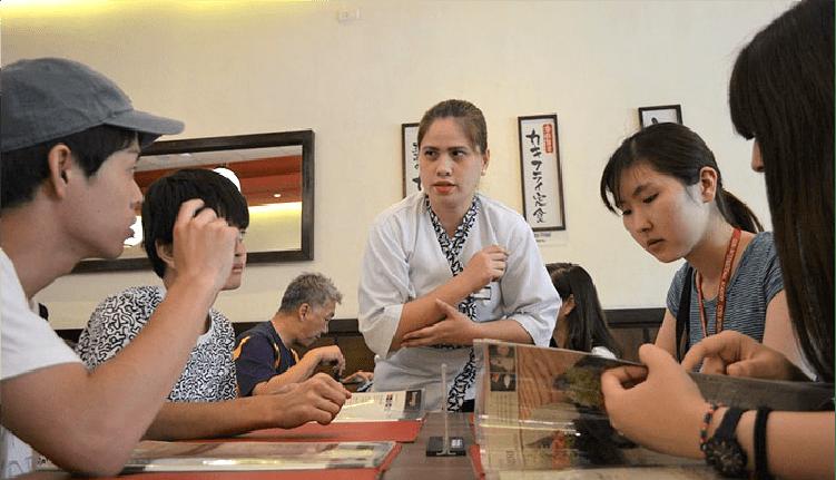 日本食レストランも多数。食事もショッピングも楽しめるスポットやモールが数多く点在。休日の実践学習に最適!